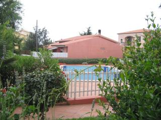 HOLIDAY HOME SARDINIA APARTAMENT WITH SHARED POOL, Valledoria