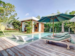 Lovely Elegant Private Seminyak Villa