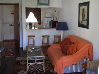 "Falcon Crest ""Bateleur"" self catering Cottage"
