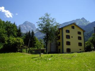 Heidi's Guesthouse, Les Plans-sur-Bex