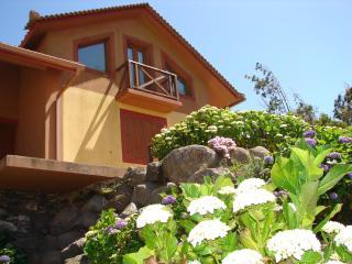 MONTE da LAGOA !!! Beautiful Cottage by the Golf!!