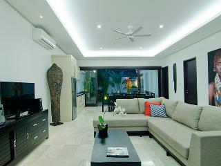 New 2 Bed Private Pool Villa Beach Side Sanur central.