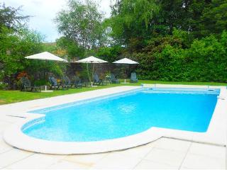 Gite de vacances à Piegut Pluviers avec piscine privee, Piegut-Pluviers
