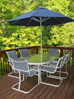 Nothing quite like a quite deck for enjoying family & friends.