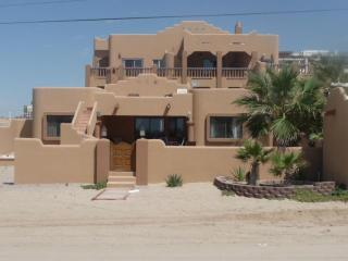 SEA ESCAPE AT LAS CONCHAS 3 bedroom 2 bath, Puerto Peñasco