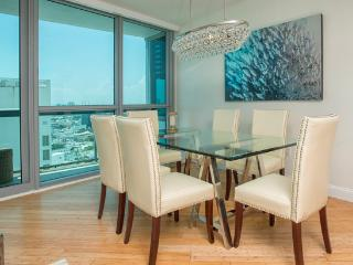 2/2 Private Residence a The Setai at 4062