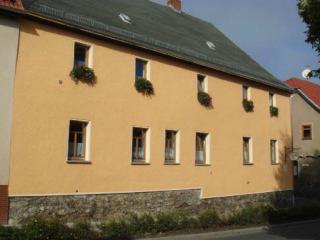 Vacation Apartment in Auma - 603 sqft, quiet, comfortable, bright (# 5124), Triptis
