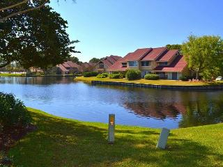 Sandestin villa with lake view, pool + amenities, and tram!, Miramar Beach