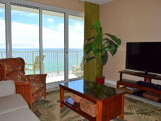 Perfect fall vacation rental ~ on the beach ~ 2 pools ~ Oct best weather yet!