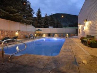 Christie Lodge 1BR / 1 bath with balcony