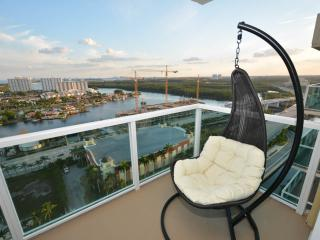 Miami  2BD/2B Luxury Water view Amazing 23 !!, Hollywood
