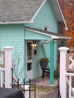 Charming Cottage EASY Access 4 work travel & fun