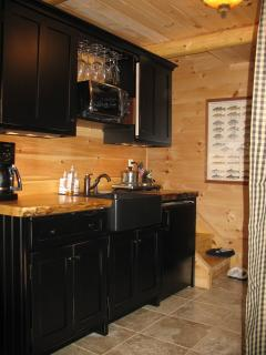 Treehouse Kitchenette