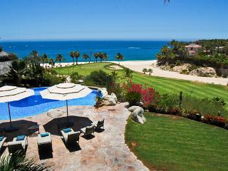 Luna Llena: Golf and Beachfront Villa at Palmilla, San José Del Cabo