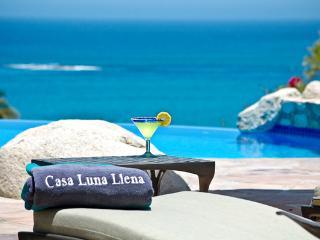 Luna Llena: Golf and Beachfront Villa at Palmilla