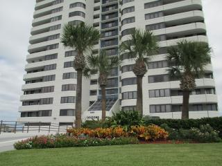 Lovely 4th floor Horizons Oceanfront, Daytona Beach