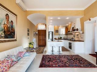 Ortigia Suite Apartment in Syracuse to let, self catered apartment syracuse, central syracuse apartment for 4, Syrakus