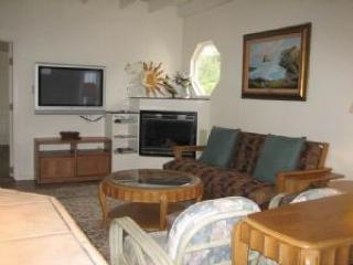 Pet-friendly home w/private hot tub; deck & firepit, Fort Bragg