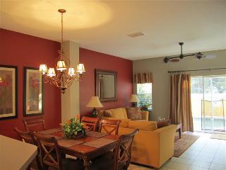 ENCANTADA (3189YLL) - 3BR 2.5BA private pool, gated Resort, close DISNEY