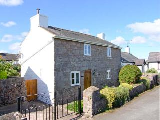 PEN Y PARC, character holiday cottage, with a garden in Gwaenysgor Near