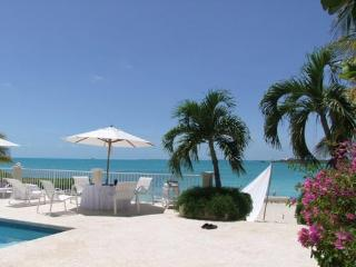 Nestled at the very tip of Provo's Ocean Point, between Taylor's Beach, Sunset Bay and Sapodilla Bay, this villa ha truly wonderful ocean views and breezes. IE ANA, Providenciales