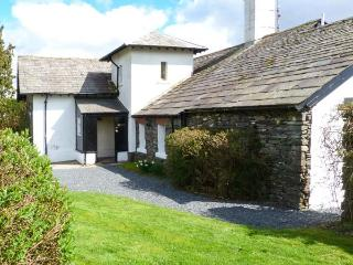 STATION MASTER'S HOUSE, former railway station, semi-detached, ground floor, parking, shared gardens, in Coniston, Ref 906561
