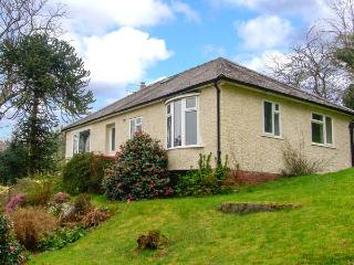 BRON ABER, all ground floor, fantastic views, woodburner, WiFi, pets welcome, lots of attractons nearby, detached cottage in Arthog, Ref. 912043