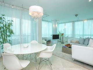 Setai Private Residence 2/2  Beachfront Unit 2102