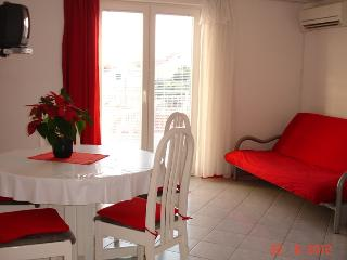 Red apartment on the Adriatic coast in Vodice