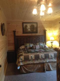 King Size bedroom/ Deck Access