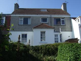 Comely Bank - Traditional homely cottage, Elie
