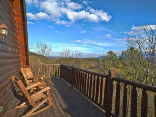 Amazing Views & 5 Miles from Dollywood & Parkway!