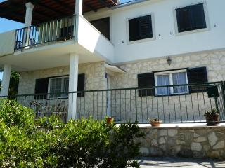 Apartment Vanda, Splitska, Brac, 30m from beach!