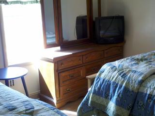 Room 2 with Queen beds