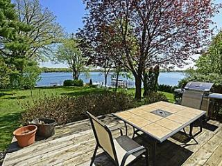 Lake Minnetonka  North Arm Bay Cottage, Togo