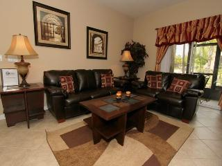 Just 1 mile from Disney spacious 3bd condo