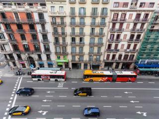 Be Barcelona - Plaza Catalunya - Urban Love 2