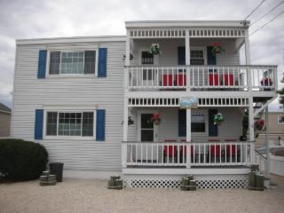 LBI Brighton Beach Oceanside Apartment, Long Beach Island