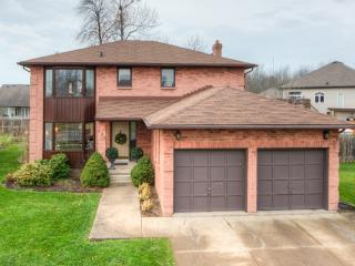 Lovely Executive Home - 20 Mins to Niagara Falls!, Fort Erie