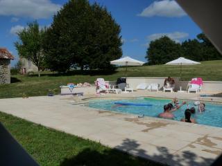 Spacious hilltop farmhouse - private heated pool