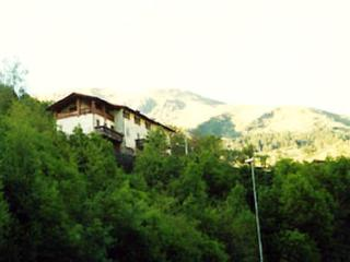 Villa House Rentals Mountain Italy SLEEPS 6 + 2 bb, Collio