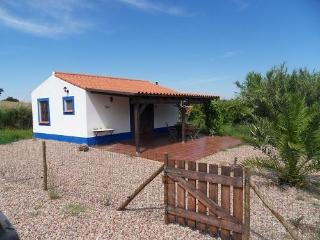 Lovely cottage with use of swimmingpool for 2-4p., Sao Luis