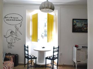 Groovy apartment with amazing view, Lisbon