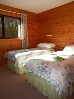 Lodge 4 Twin Bedroom