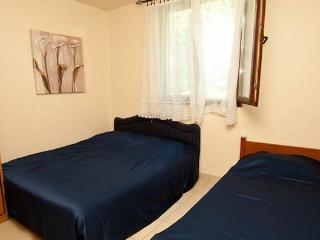 ApartAndra1-Two bedroom apartment bear beach and transport