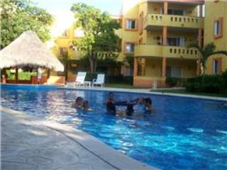 Playacar, 1 minute walk to the Beach!. Home away from home!