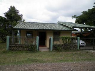 Quiet Country Home Overlooking Lake Arenal, Tilaran