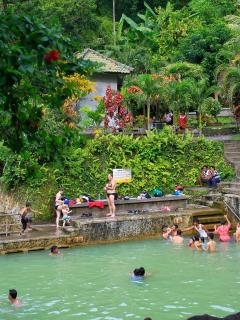 Hot spring 5 minute from Villa Gillis