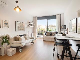 Nice and cozy penthouse apartment in Gràcia, Barcelona
