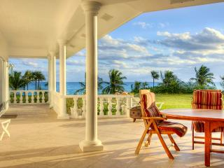 Seven Palms - Ocean Front Estate with Private Beach and Pool Access, Governor's Harbour